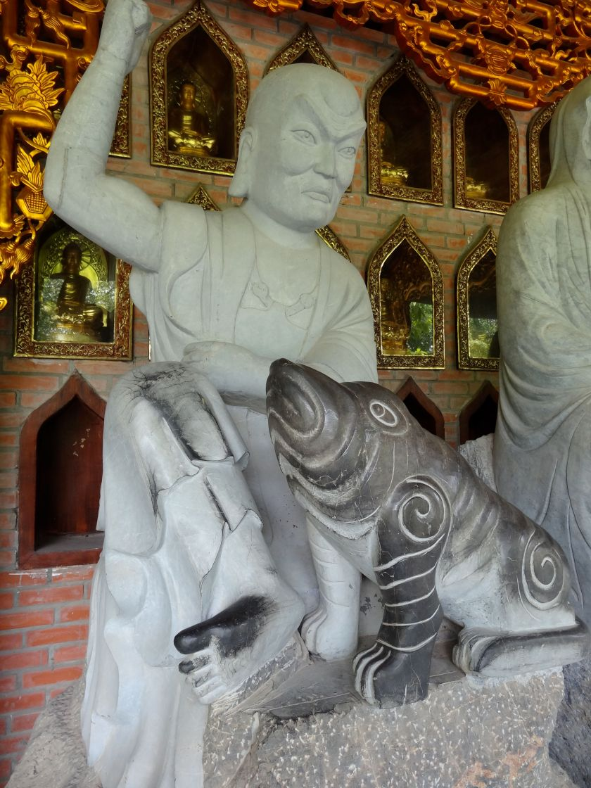 Arhat at Chua Bai Dinh