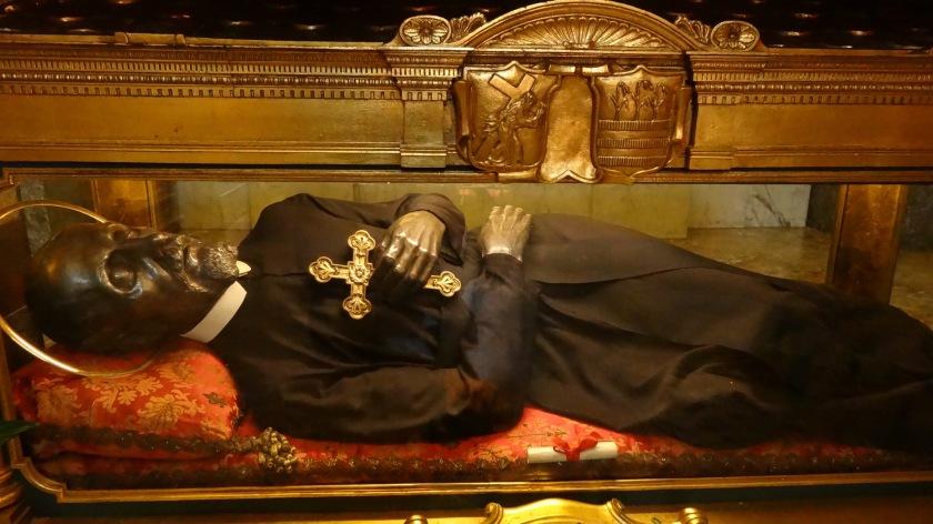 La statua di san Girolamo Miani