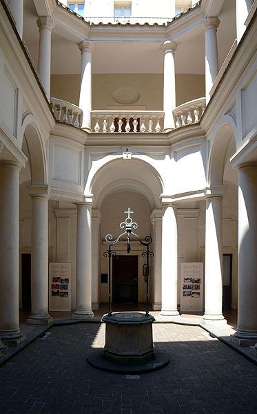 San_Carlo_alle_Quattro_Fontane_(Rome)_-_cloister