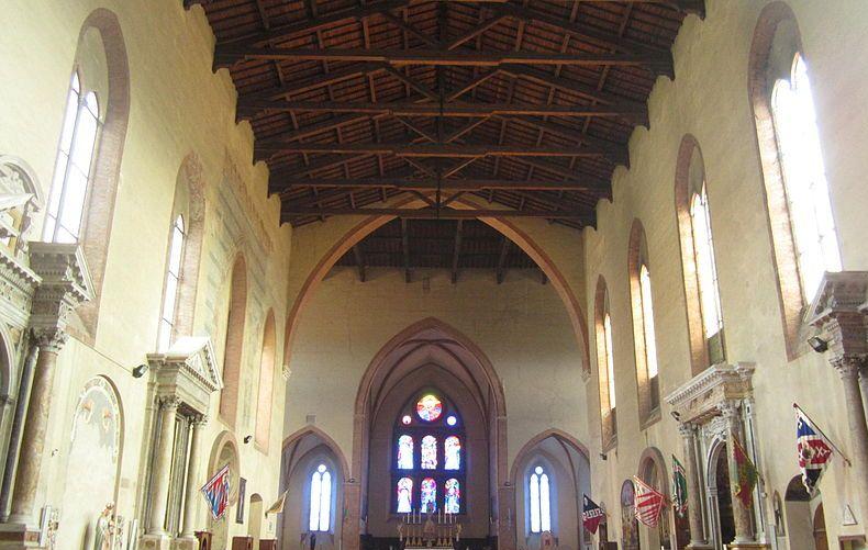 800px-Siena_-_Basilica_di_San_Domenico_2