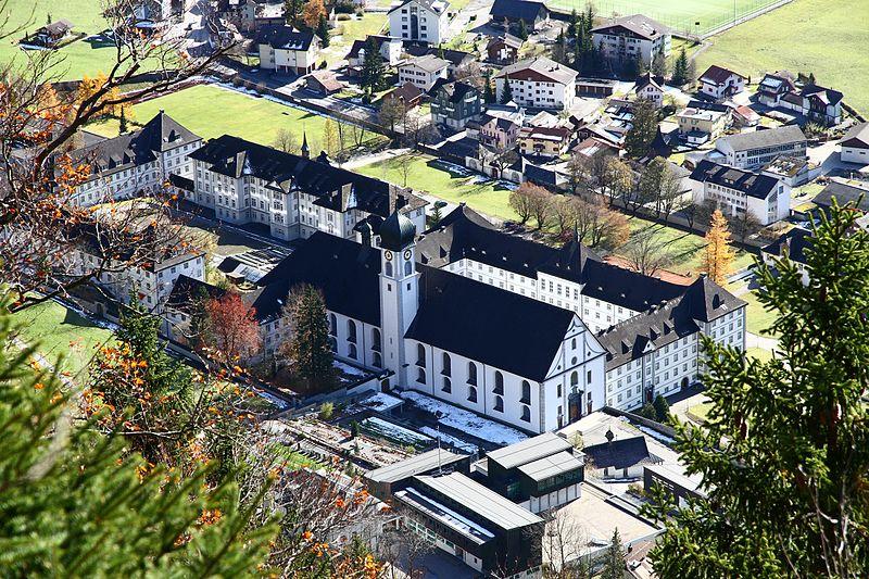 800px-Abbaye_engelberg_oct_2010