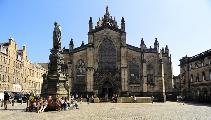 1024px-St_Giles'Cathedral_Edinburgh