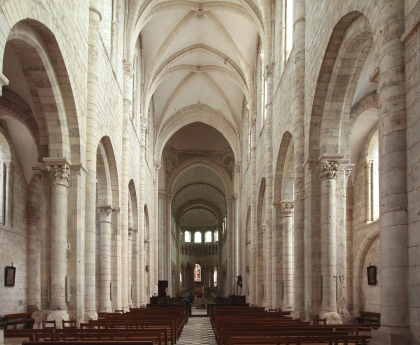 St_Benoit_Sur_Loire_2007_01